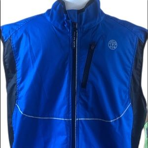 NWT. Gold's Gym Reflective Vest size S/M